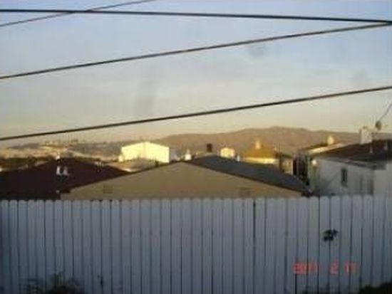 19 Oceanside Dr, Daly City, CA 94015