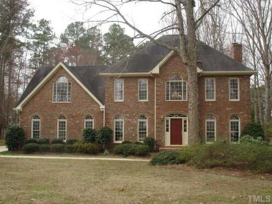5132 Linksland Dr, Holly Springs, NC 27540