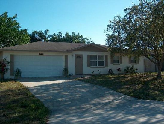 947 Hearty St, North Fort Myers, FL 33903