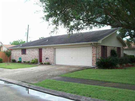 3163 Crest Dr, Port Neches, TX 77651