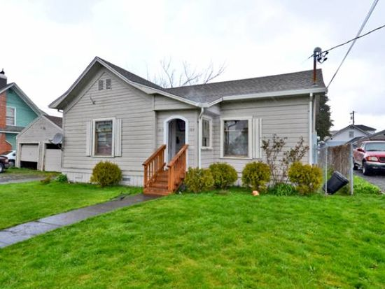 1812 6th St, Tillamook, OR 97141