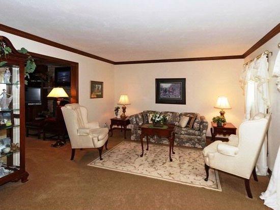 1606 Cavalier Ct, Wheaton, IL 60189