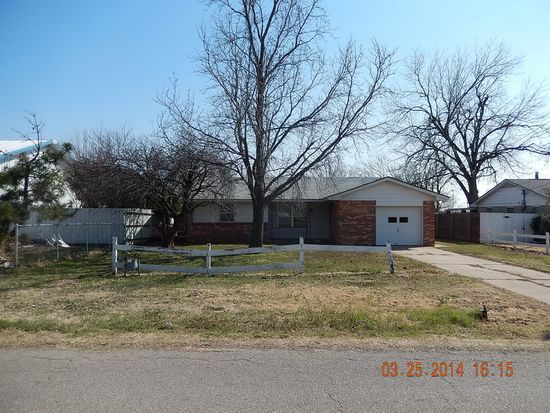 616 Cass Ave, Moore, OK 73160