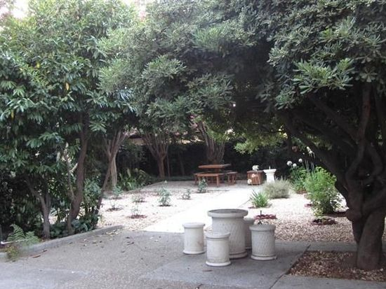 2540 Land Park Dr, Sacramento, CA 95818