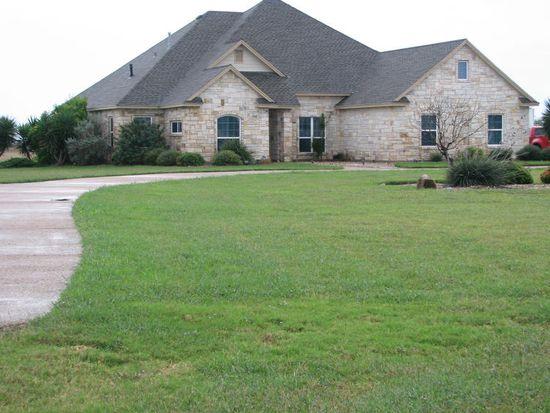 5841 Santa Clara Dr, Robstown, TX 78380