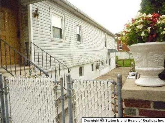 115 Winham Ave, Staten Island, NY 10306