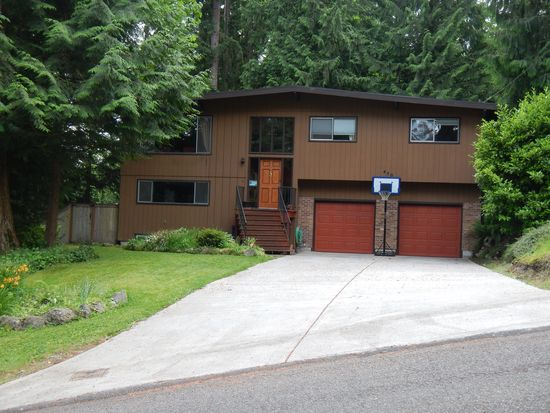 450 SW Forest Dr, Issaquah, WA 98027