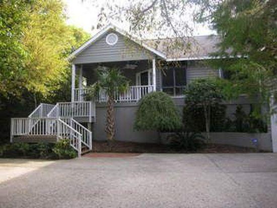 561 Coral Ridge Rd, Pine Knoll Shores, NC 28512