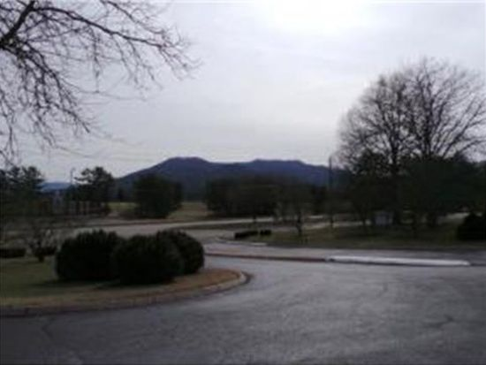 202 University Pkwy APT 22E, Johnson City, TN 37604