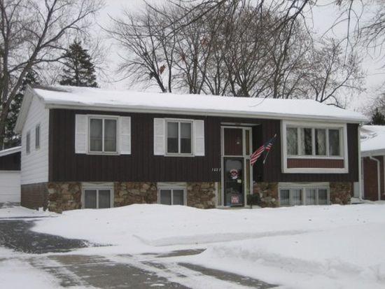 1027 S Myrtle Ave, Villa Park, IL 60181