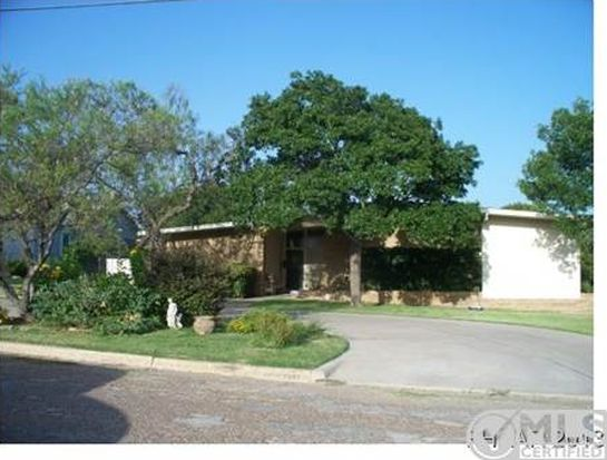 707 Park St, Gatesville, TX 76528