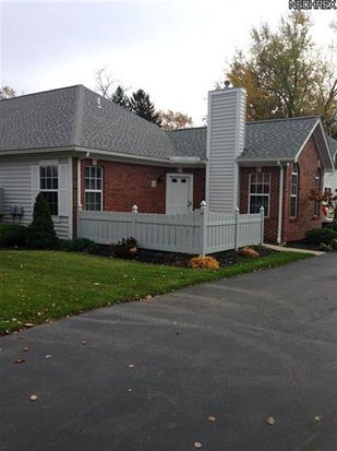 31 Newton Square Dr UNIT 4, Canfield, OH 44406