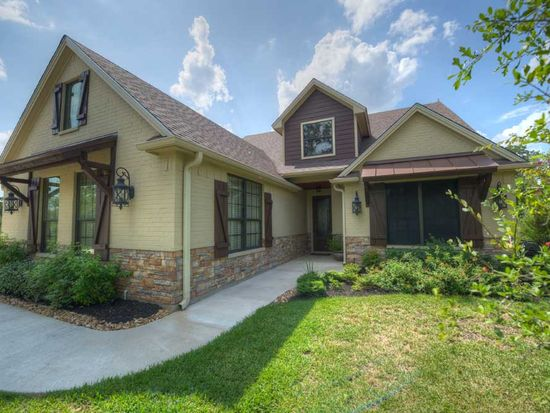 5209 Vintage Oaks Ct, College Station, TX 77845