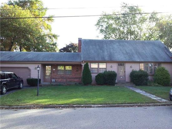 93 Plymouth Rd, East Providence, RI 02914
