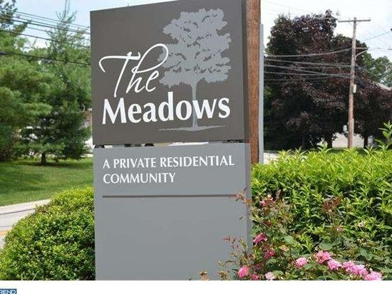308 Meadowview Ln, Mont Clare, PA 19453