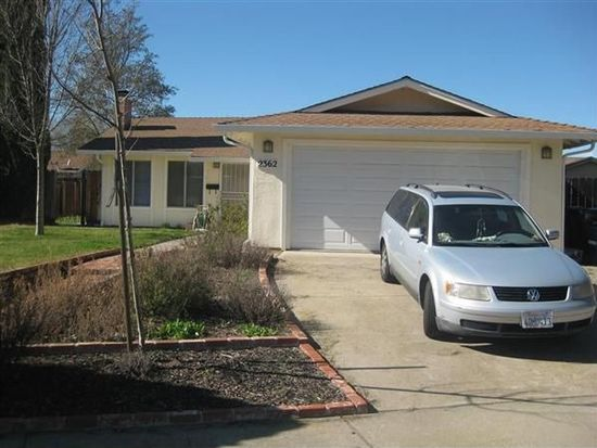 2362 Palomino Rd, Livermore, CA 94551