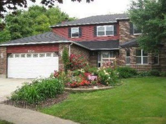 1357 River Oak Dr, Naperville, IL 60565