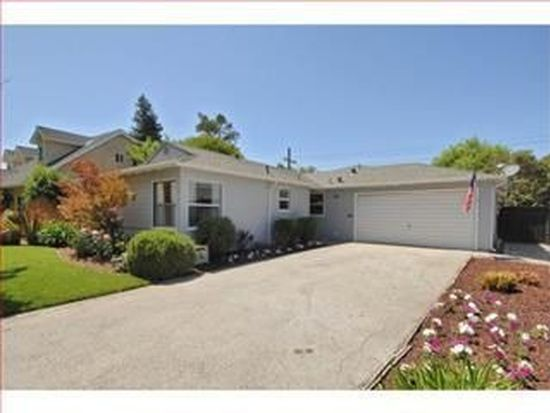 2720 Kensington Rd, Redwood City, CA 94061