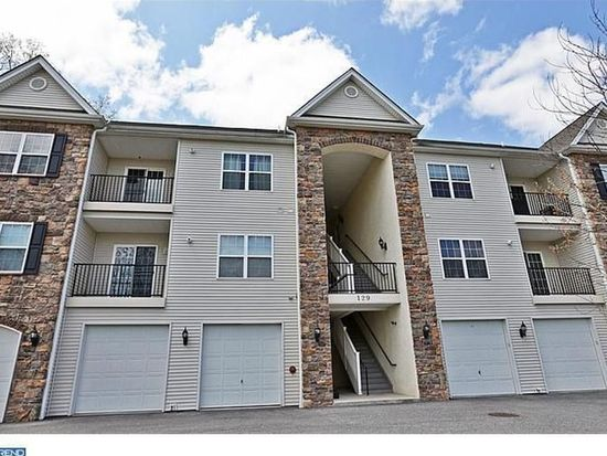 129 1st Ave APT 2, Collegeville, PA 19426