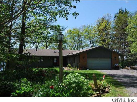 2011 Pine Blf, Skaneateles, NY 13152