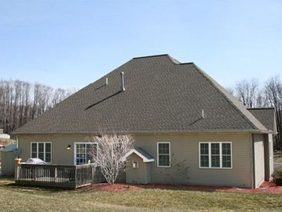 1218 Silver Dr, Erie, PA 16509