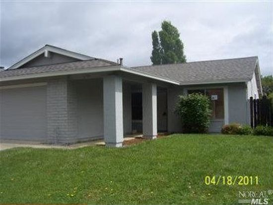 2754 Applewood Dr, Fairfield, CA 94534