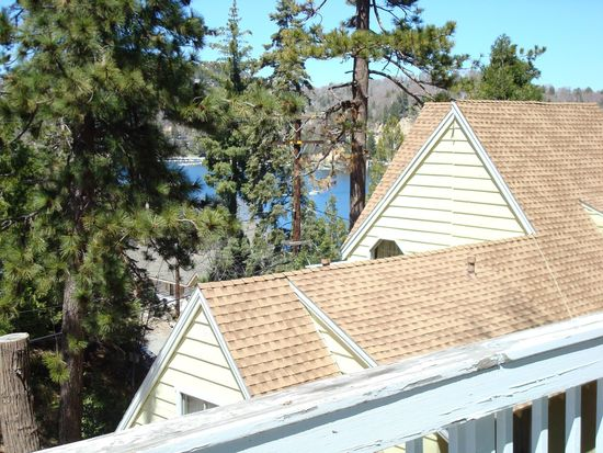 28838 Cedar Dr, Lake Arrowhead, CA 92352