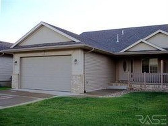 7507 S Peregrine Pl, Sioux Falls, SD 57108