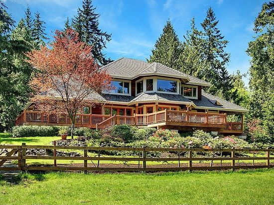 8699 NE Triple Crown Dr, Bainbridge Island, WA 98110