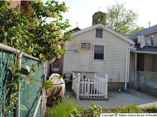 555 Lincoln Ave, Staten Island, NY 10306