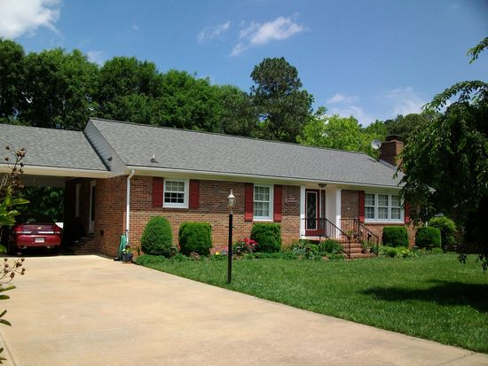1222 Tanglewood Dr, South Hill, VA 23970