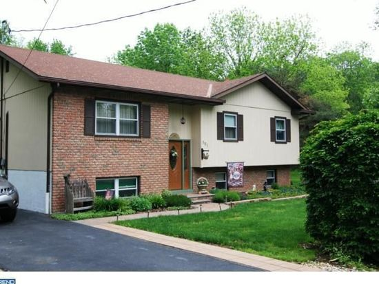 501 Heidelberg Ave, Reading, PA 19606