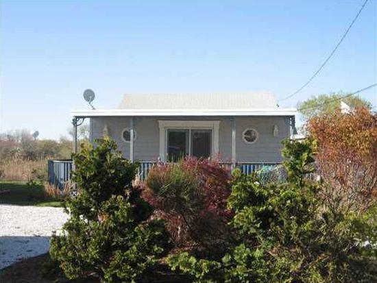 19 Follett Rd, Narragansett, RI 02882