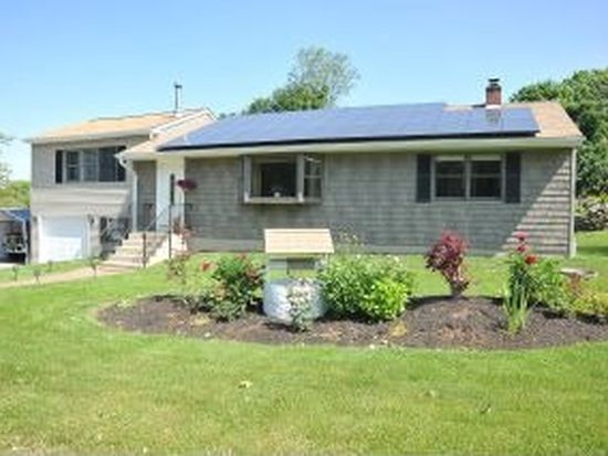 50 Daniels Ave, Waterford, CT 06385