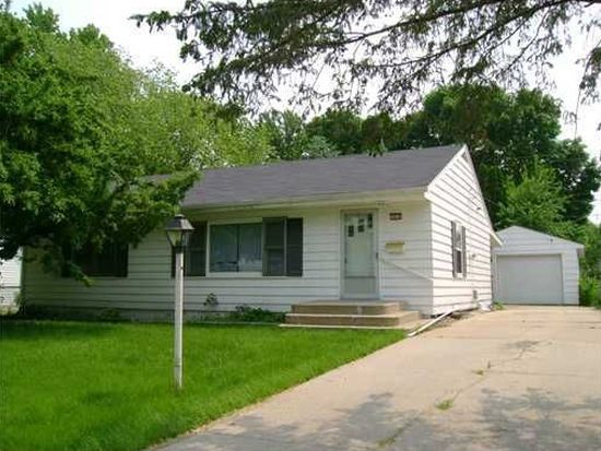 1075 26th St, Marion, IA 52302