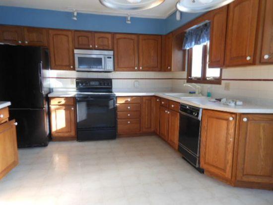 304 Oak St, Redgranite, WI 54970