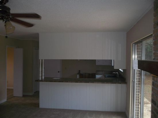 5870 Adelyn Rd, Pensacola, FL 32504