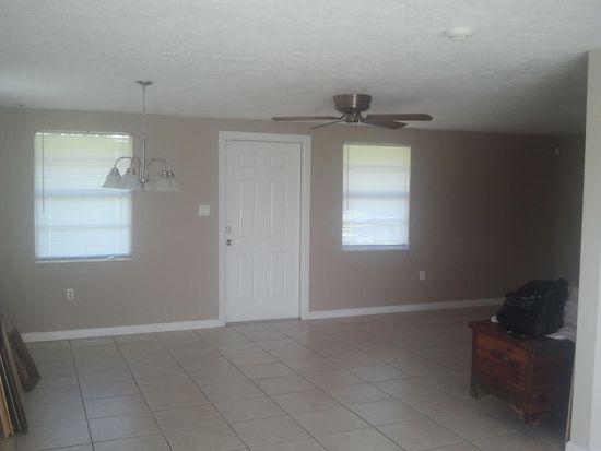 8627 Magnolia St, Gibsonton, FL 33534