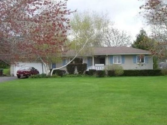 1027 Christy Rd, Hermitage, PA 16148