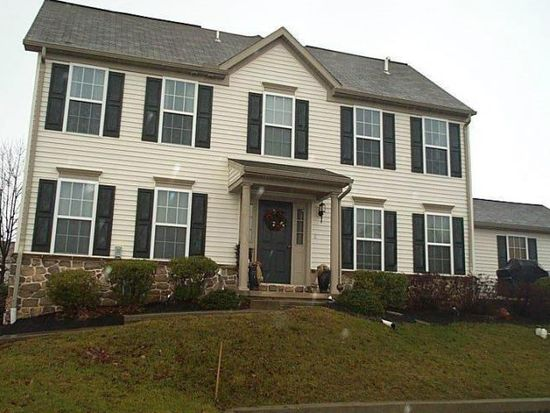611 Creekside Ln, Lititz, PA 17543