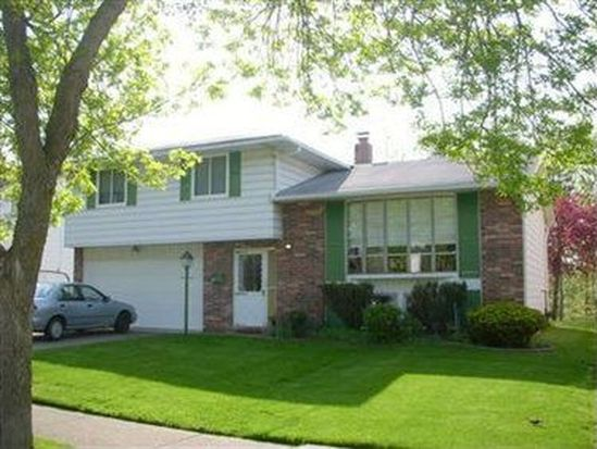 93 Greencliff Dr, Bedford, OH 44146