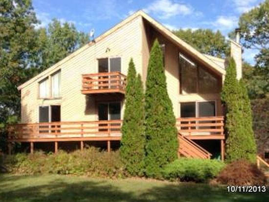 26 Seasons Ln, Londonderry, NH 03053