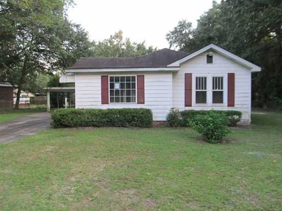 6418 Gregory St, Moss Point, MS 39563