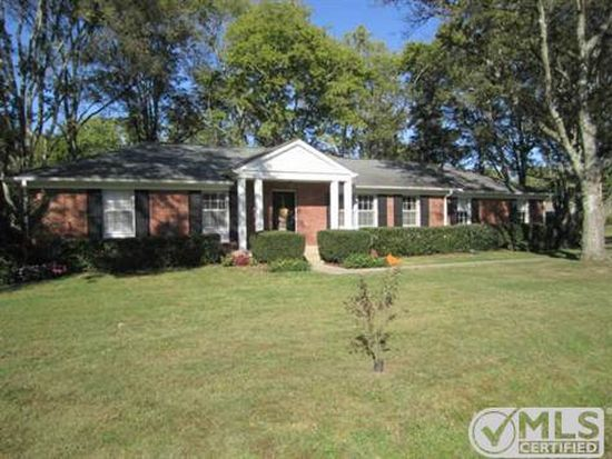 102 Pine Circle Dr, Franklin, TN 37069