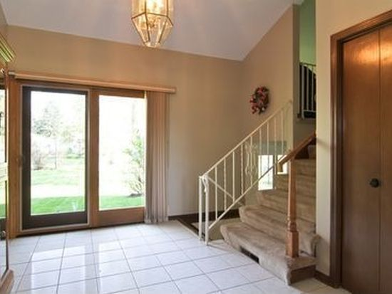 706 63rd St, Downers Grove, IL 60516