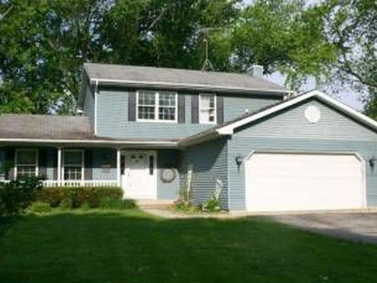 4111 S Country Club Rd, Crystal Lake, IL 60012