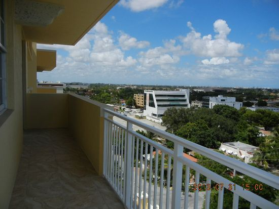 215 SW 42nd Ave APT 910, Coral Gables, FL 33134
