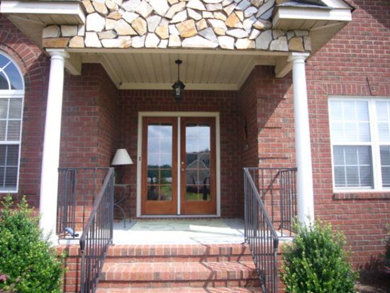 307 Eagles Pointe Dr, Goldsboro, NC 27530