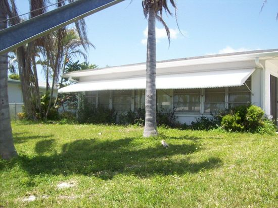 1643 Swan Ter, North Fort Myers, FL 33903