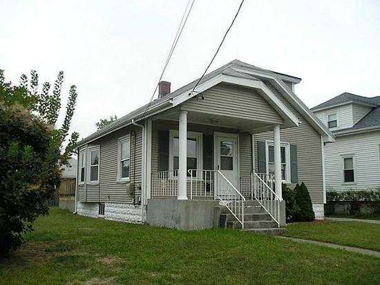 110 Crescent Rd, Pawtucket, RI 02861